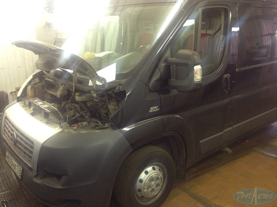 Замена масла  автоматической коробке передач в автосервисе Град Авто
